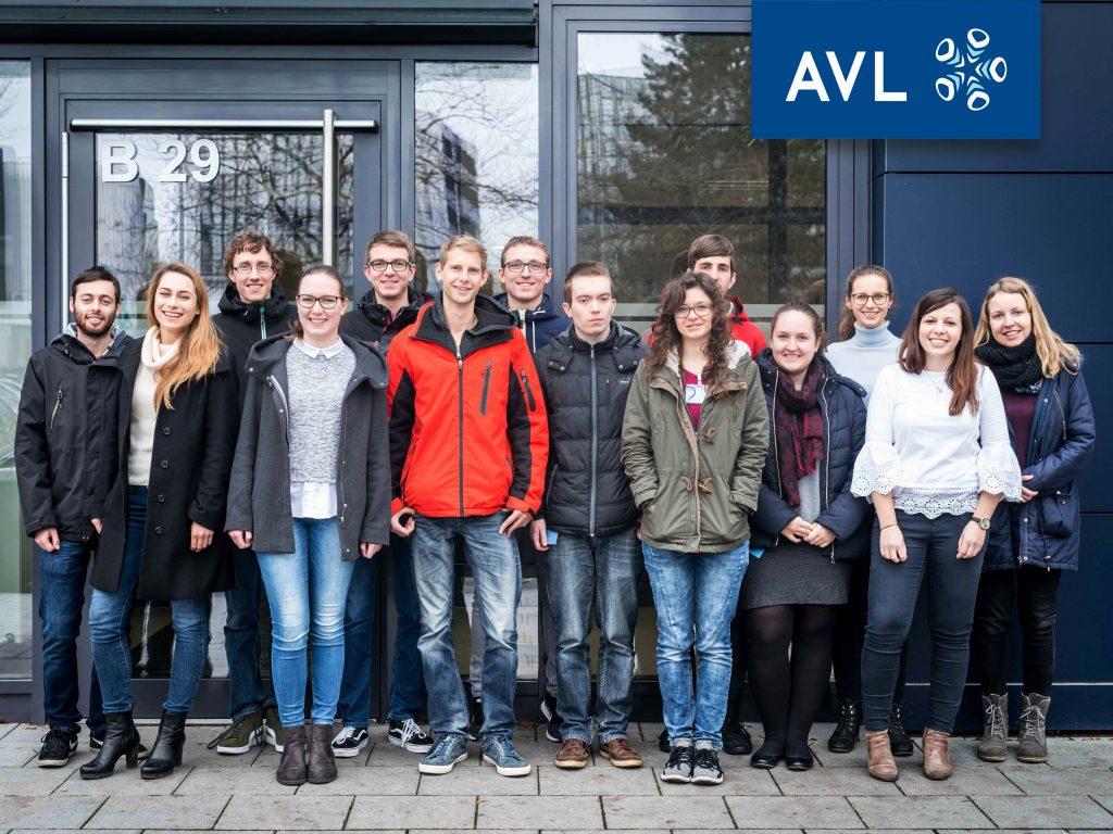 Besucher OTH bei AVL