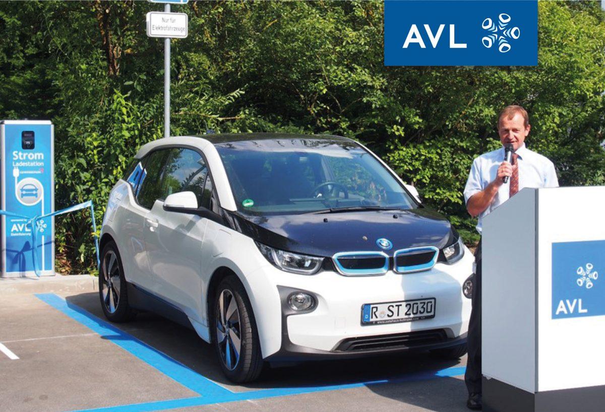 BMW i3 an Ladesäule Gewerbepark mit Anton Angermaier